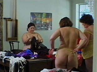 3 clips! Fat Women Strip And Try On Woman Clothes