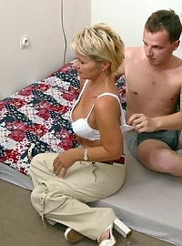 15 incest picts! His friend`s mom came to wake him up in a special way!
