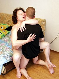 14 incest picts! Hot looking young man seduced a sexy mature babe, fucked her hard.!