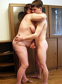 14 incest picts! Plump mature lady fucked by a skinny hot guy!!