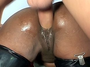 3 clips! 3 vids of a black latex queen taking big white cock ass to mouth